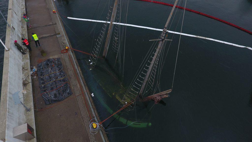 Jacht Knudel ekipa nurków w akcji