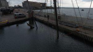Jacht Knudel zatonął w gdyńskiej marinie