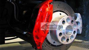 Fotorelacja z montażu dystansów Piterparts w Lamborghini Gallardo